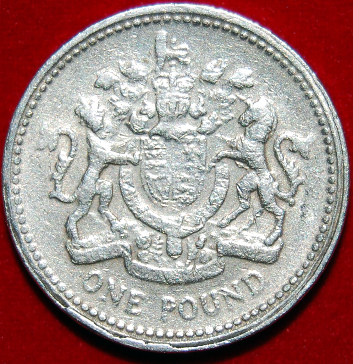 fake pound coin photo